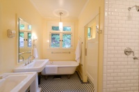 Old River Rd House - traditional - bathroom - portland