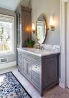 Vanity Hardware That Adds a Stylish Touch to the Bath